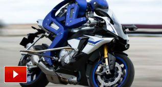 Yamaha tiene un piloto robot para batir a Valentino Rossi