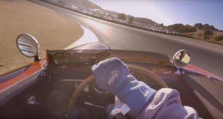 62 años de Porsche en una vuelta al circuito de Laguna Seca
