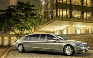 Mercedes Maybach Pullman.