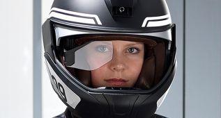 También puedes tener HUD si vas en moto