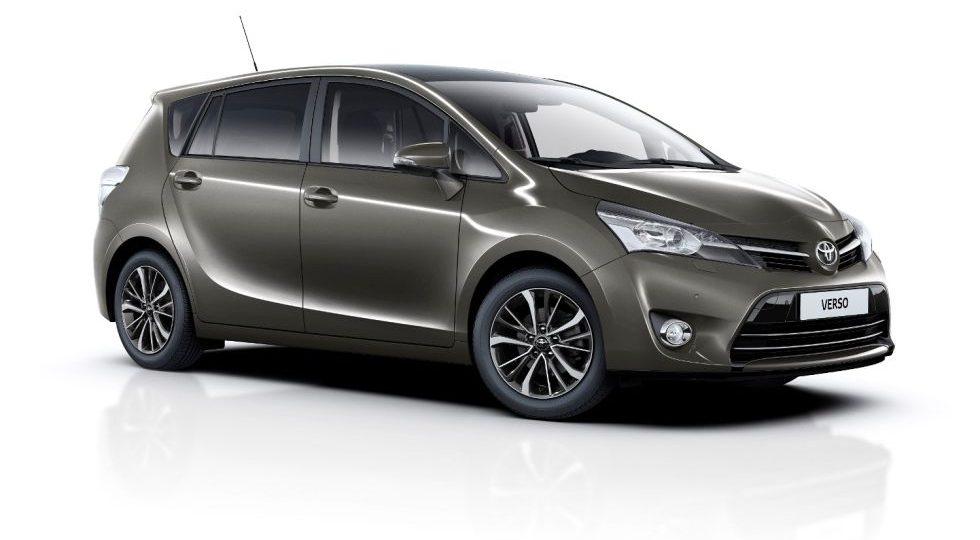 Toyota lanza la gama gasolina del Verso 2016